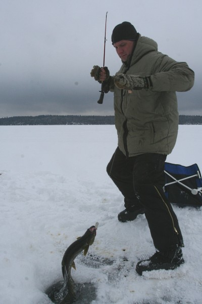 ice fishing in the boundary waters